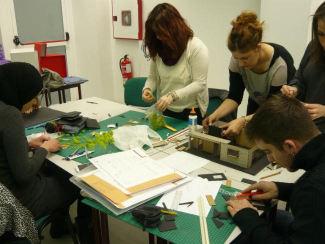 Los alumnos de segundo han elegido el proyecto que ahora toma forma de maqueta
