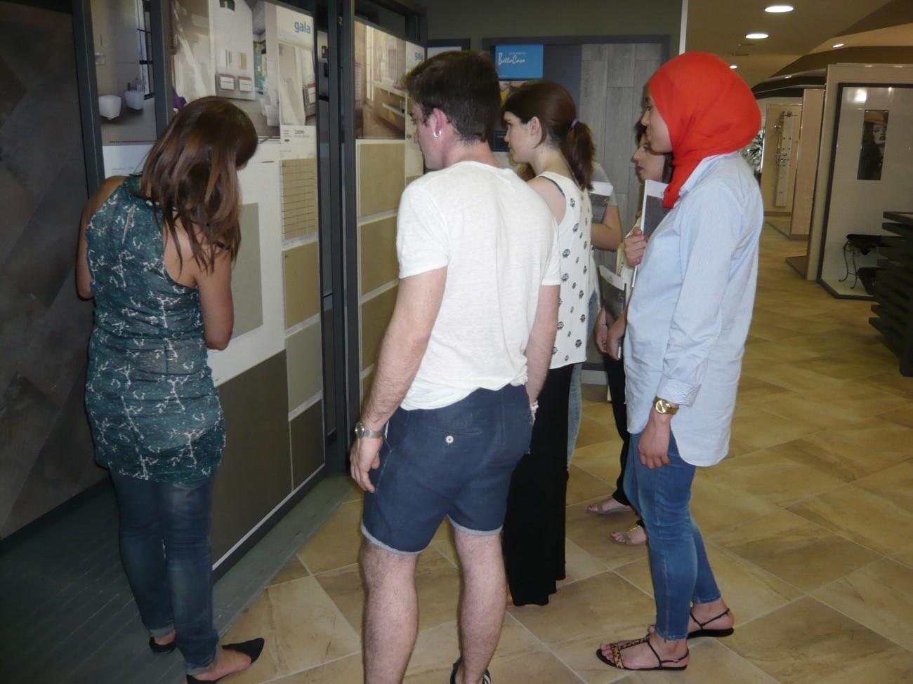 Alumnos de Creanavarra durante la visita