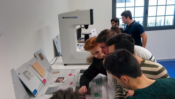 Los estudiantes de Diseño de Producto de Creanavarra visitan el Deusto FabLab