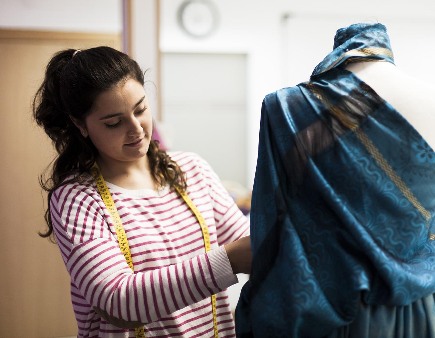 alumnas-diseño-moda-fundacion-vicente-ferrer
