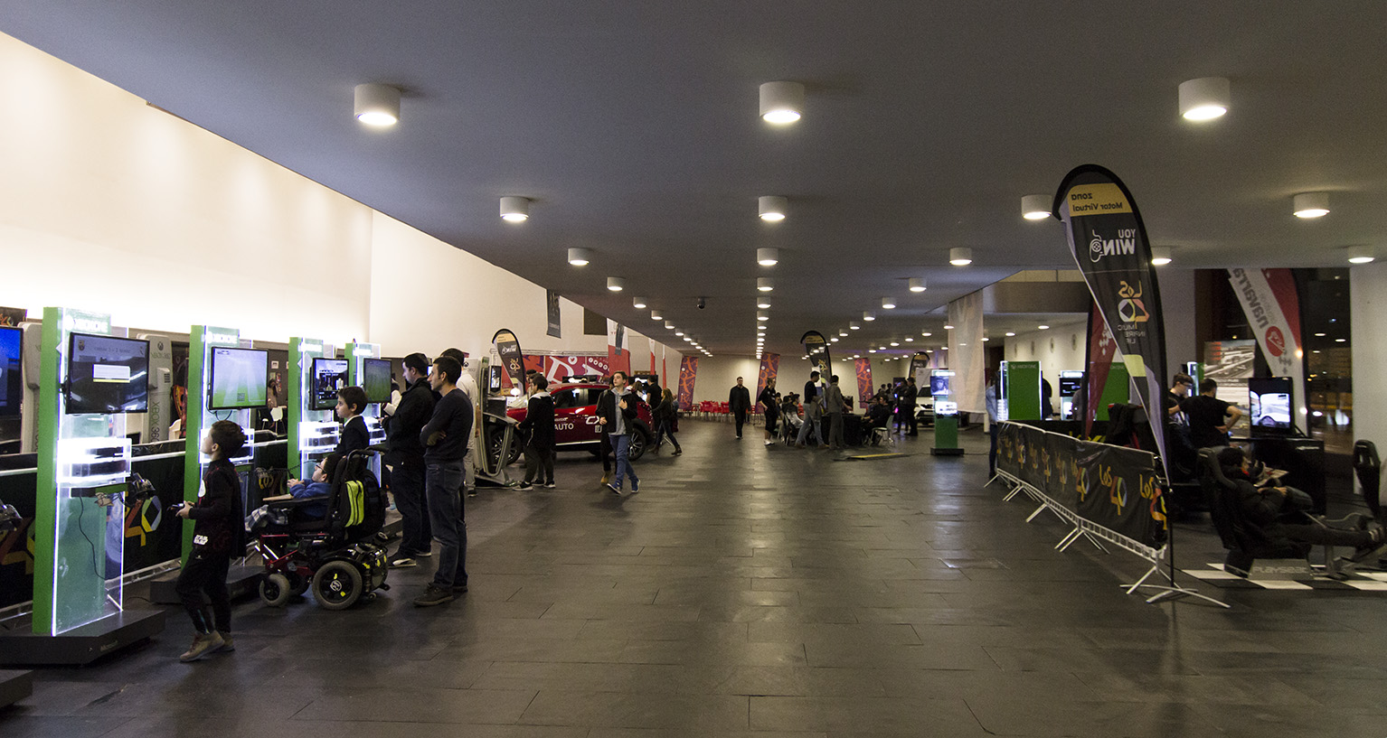 Salón de videojuegos You Win de los 40 en Pamplona